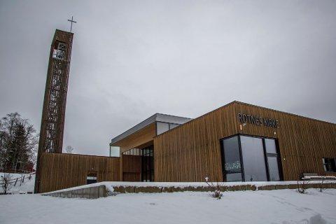SKAL BRUKE KIRKEN: Nittedølene vil få satt vaksinedosene i dette bygget.