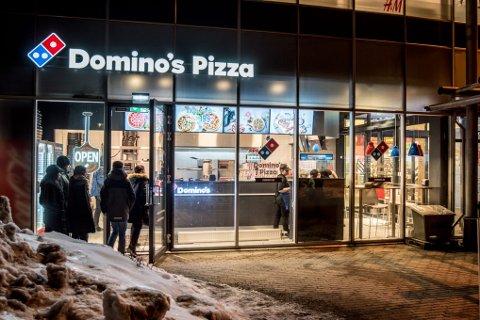 TAPSPROSJEKT: Engelske Domino's sin satsing i Norge og overtagelsen av Dolly Dimple's-kjeden ble et stort tapsprosjekt. I omtalen av 2019, kommer det fram at omsetningen steg til 366 millioner kroner.