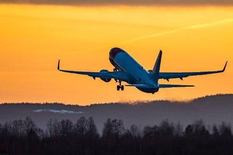 PRISRAS: Norwegian har satt ned prisene sine på flyreiser. Foto: Håkon Mosvold Larsen (NTB scanpix)