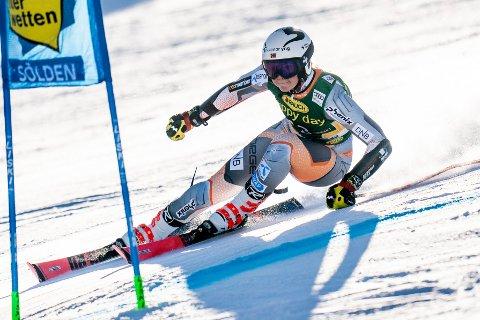 Sölden, Østerrike 20191026.  Thea Louise Stjernsund på vei nedover løypa i Sölden under sesongåpningen av verdenscupen i alpint. Foto: Tore Meek / NTB scanpix