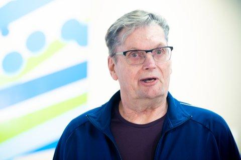 PÅ BEDRINGENS VEI: Etter å ha benyttet seg av Pusterommet i rundt halvannet år, lever Nils Kjus (76) fra Leirsund et tilnærmet normalt liv.