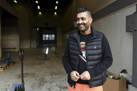 MÅ I RETTEN IGJEN: Tommy Sharif, her ved sitt nye dekksenter i Bergen, må tilbake til Romerike i sommer. Foto: RUNE JOHANSEN