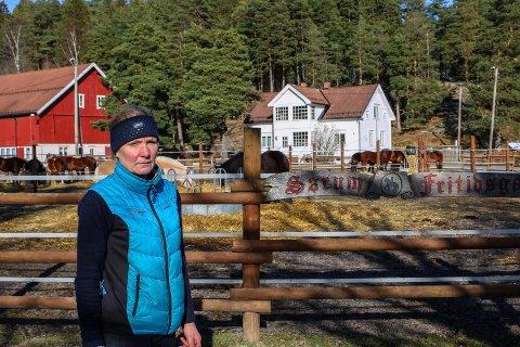 STENGT: Daglig leder Elin Heistad på Sørum fritidsgård sier at man var nødt til å stenge gården for publikum, men understreker at turveier og -stier er åpne.