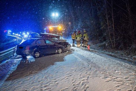 OMKOM: Én person omkom i trafikkulykken på Seterstøavegen i Nes lørdag kveld – den eneste dødsulykken i romerikstrafikken så langt i år.