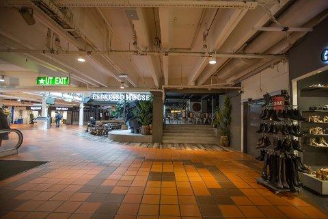 STENGER DØRENE: Flere butikker legger ned driften midlertidig i koronakrisen.
