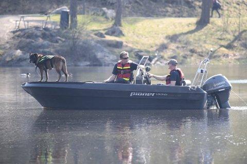 SØK I LANGVANNET: Politiet gjennomførte våren 2019 søk i Langvannet i Lørenskog.