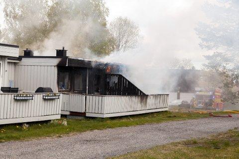 OVERTENT: To boenheter er ubeboelig etter mandagens brann.