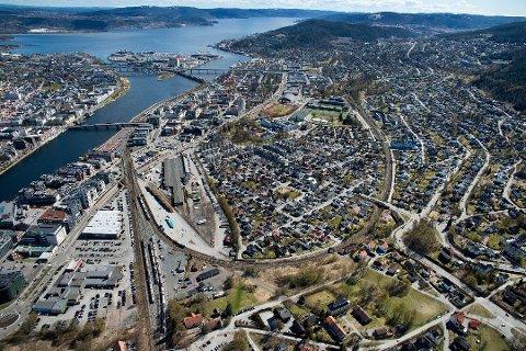 Meglerne mener Drammen har gjennomgått en positiv byutvikling, med store ombygginger. Kommunen har hatt størst boligprisvekst i Viken de siste ti år.