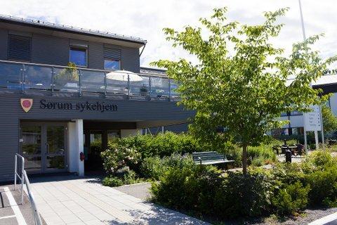 LEGGES NED: Kommunedirektøren foreslår å avvikle ti og flytte åtte av plassene ved Sørum sykehjem.