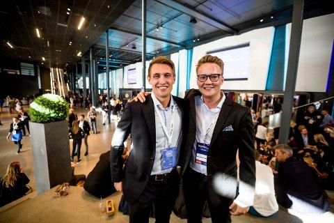 HAR TAPT: Styreleder Marius Røed Wang (t.v.) og daglig leder i Oslo Businessforum, Christoffer Omberg har hatt et omsetningstap på rundt 60 prosent. Bildet er tatt i forbindelse med konferansen på Hellerudsletta i 2018.