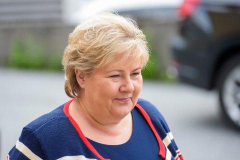 Statsminister Erna Solberg (H) bekrefter at Norge ble bedt om å gå inn som eier i SAS. Foto: Annika Byrde / NTB scanpix