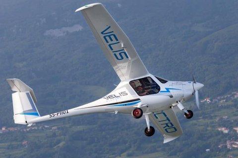 Avinor har bestilt et nytt elfly av denne typen, et Velis Electro 600, fra produsenten Pipistrel. Foto: Pipistrel / NTB scanpix