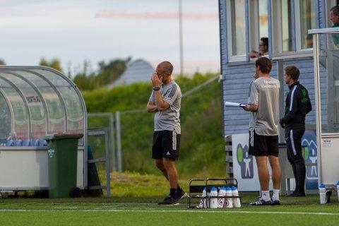 To kamper: Trond Fredriksen leder Ull/Kisa mot LSK og Stjørdals-Blink. Klubbens styreleder medgir at det kan bli nye vurderinger hvis de ender med tap.