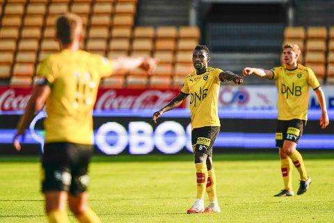 I rett retning: Ifeanyi Mathew fikk langt fra det comebacket han ønsket i LSK i fjor høst. Han gikk faktisk ikke av banen en eneste gang med seiersfølelse. Nå føler han ting har snudd. Foto: NTB scanpix