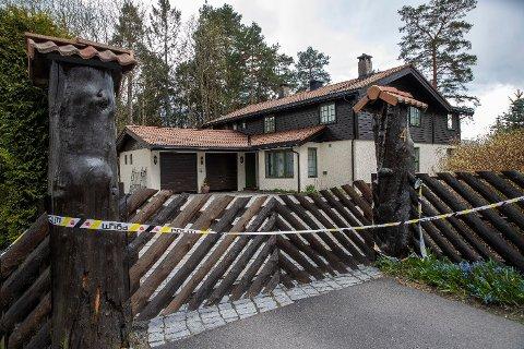 Politiet tok beslag i drapssiktede Tom Hagens bolig i Sloraveien 4 på Fjellhamar i Lørenskog 28. april. Nå, over tre måneder etterpå, driver de fremdeles med undersøkelser i boligen. Det har vært gjort undersøkelser der i snart to år. Foto: Terje Bendiksby / NTB scanpix (NTB scanpix)