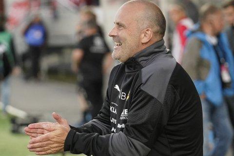 FORVENTER SEIER: LSK trener Geir Bakke sier det er to lag som forventer å vinne som møtes på Alfheim.