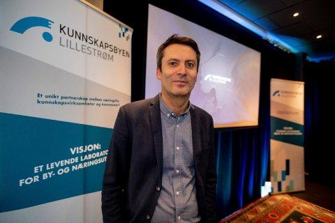 GRØNT KJELLER: Daniel Ras-Vidal, adm.dir for Kjeller Innovasjon mener fly i lufta ikke er forenelig med å få etablert en ny attrativ bydel med både boliger, handel, kulturog næring på Kjeller.