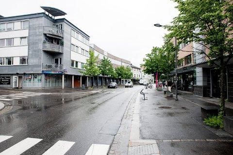STRØMSVEIEN: Styreleder Frode Krogstad i Strømmen Atrium Sameie er bekymret for råkjøring og lyden den medfører for nærmiljøet.