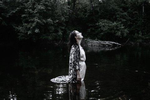 Kristabel utgir sitt debutalbum.