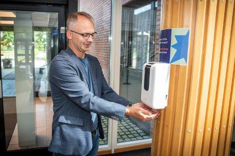 ORDFØRER: Jørgen Vik (Ap) forteller til RB at formannskapet onsdag vil ta stilling til munnbindpåbudet.