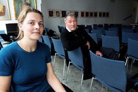 FORSKER: Prosjektleder Guro H. Fossum (t.v.) og professor Jørund Straand er blant dem som nå forsker på koronasmittede eller folk i karantene, som blir sittende hjemme.