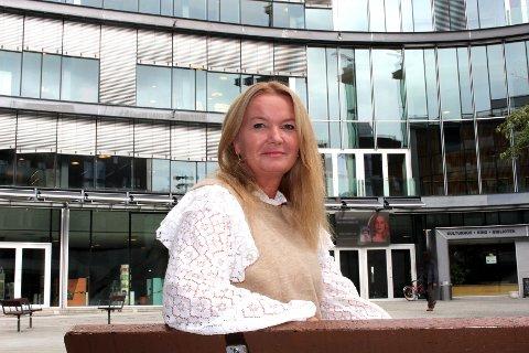 HELT UHOLDBART: Kommunen burde i det minste ha sørget for at beboernes primære behov ble ivaretatt under hotelloppholdet, mener gruppeleder og mangeårig helse- og omsorgspolitiker Amine Mabel Andresen (H).