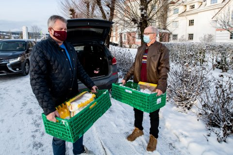BIDRO: Rune Guldbrandsen (62) og Svein Bjørnstad (61)