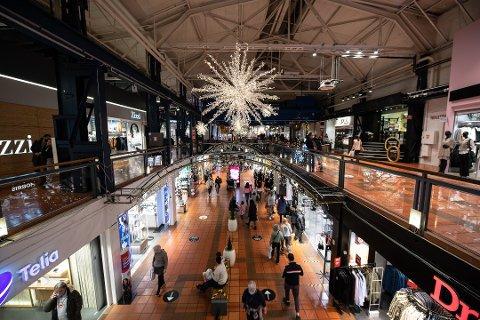 SHOPPING: Det er mange som tok turen innom kjøpesentrene på Romerike i fjor.
