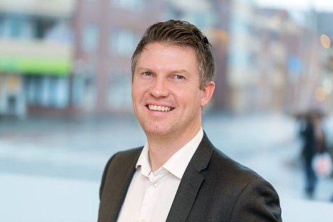 OPTIMIST PÅ SIKT: Daglig leder i Romerike Eiendomsmegling AS, Lars Olav Venger-Pedersen, reflekterer rundt boligmarkedet i Gjerdrum.