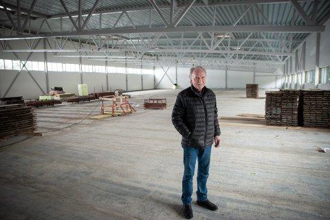ER UNDER TAK: – Det gjenstår mye jobb innvendig, men det blir åpning i løpet av året, sier president Jack Tveter.