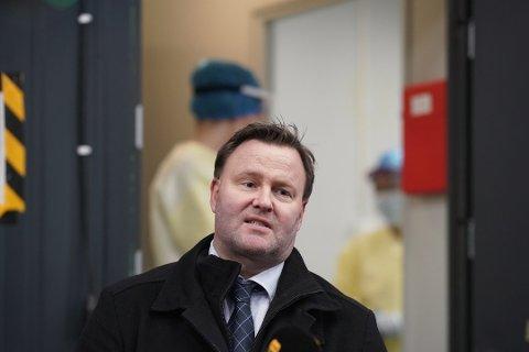 UOVERSIKTLIG SITUASJON:  Assisterende helsedirektør Espen Rostrup Nakstad ber kommunene på Østlandet være forberedt på mutantviruset.
