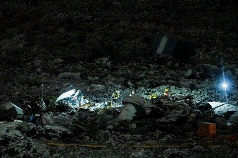 Oslo 20210104.  Redningsarbeidet og søk etter overlevende fortsetter etter at et jord- og leirskred gikk i Gjerdrum onsdag. Foto: Fredrik Hagen / NTB