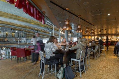 MANGLER ANSATTE: Blant bedriftene som sårt trenger ny arbeidskraft, er TGI Fridays på Oslo Lufthavn.