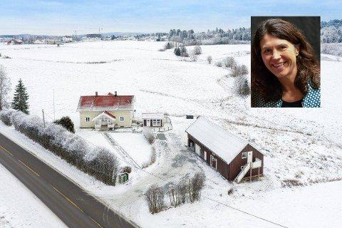 Laila Hageberg Heggedal og familien selger småbruket.