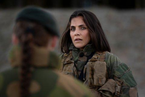 """– Gjenbruk er kult: Jørgine Massa Vasstrand fra Jessheim er en av fem kjendiser som blir utfordret i det nye NRK-prgrammet """"Sløsesjokket""""."""