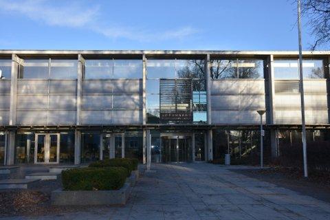NYTT SMITTETILFELLE: Onsdag er det bekreftet koronasmitte hos en elev på Sørumsand videregående skole.