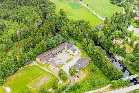 SOLGT: Vestsidevegen 71 i Hurdal er tvangssolgt 800.000 kroner under prisantydning.