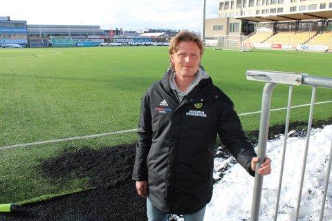 Tror på utsatt start: Det er foreløpig ingen lysning for toppfotballklubbene i Viken som ønsker å trene sammen igjen. Nå gir daglig leder Andreas Aalbu Ull/Kisa-spillerne ferie.