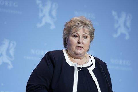 Statsminister Erna Solberg (H) håper på en sommer med mer aktivitet for utelivsbransjen.