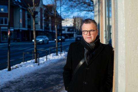 Tore Olsen Pran, tidligere mangeårig politiker i gamle Skedsmo kommune, mener politikerne på alle nivåer må ta en mye mer aktiv rolle for å sikre at OsloMet blir på Romerike.