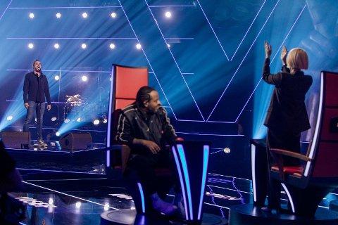 """– En maktdemonstrasjon, sa mentor Ina Wroldsen om prestasjonen til Mads Wighus i """"The Voice"""". Wighus er 41 år og bosatt i Nannestad"""