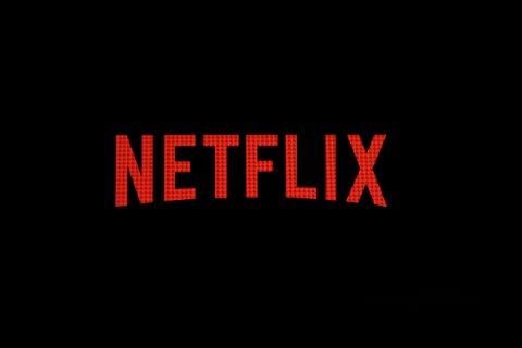 Strømmegiganten Netflix tester ut nye verktøy for å hindre at brukerne i å dele kontoen med personer utenfor hjemmet.