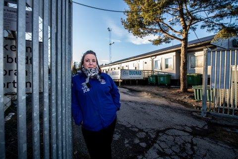 BEKYMRET: Jeanette Bråten er bekymret for utviklingen av ungdomsbråk på Romerike. I helgen opplevde hun at to gjenger var i ferd med å starte opp en slåsskamp på Rolvsrud i Lørenskog.