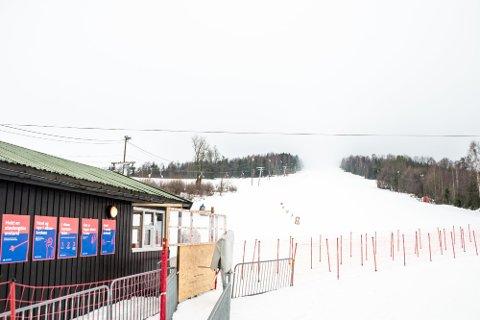Åslia skisenter åpnet igjen etter to år uten drift. Nå er det slutt på sesongen for i år.