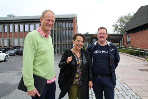 IKKE HELT I TAKT: Gruppeleder Tom Roterud (f.v.), varaordfører Vivian Wahl og lokallagsleder Marius Torgersen.