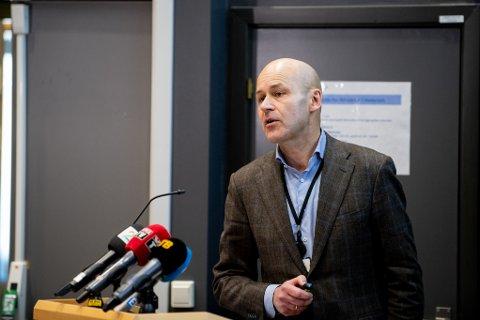 HØYT TRYKK: Intensivavdelingen på Ahus har hatt et høyt trykk med antall pasienter siden pandemien startet. Administrerende direktør Øystein Mæland, sier de nå er godt forberedt dersom smittetrykket øker.