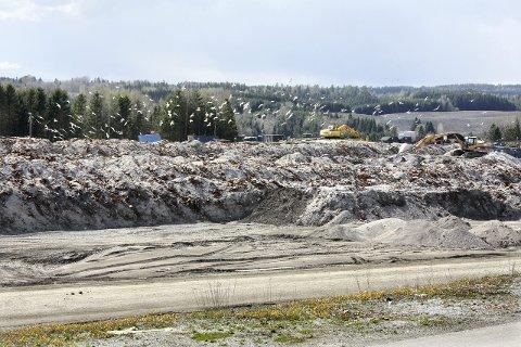 MÅ BETALE: Nå er det bestemt at gratisbongene til Esval miljøpark i Nes kommune forblir borte.