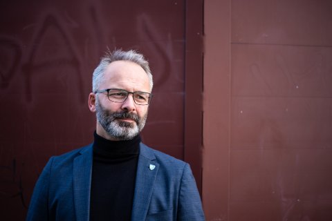 SMITTEBØLGE: Lillestrøm-ordfører Jørgen Vik, forteller at de nå har fått smittetilfeller ved mange skoler og barnehager i kommunen de siste dagene.