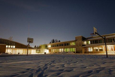 BERØRT: Stav skole på Skjetten er bare en av mange skoler på Romerike som for tiden har vært rammet av koronasmitte.