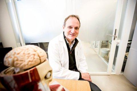 Professor Tormod Fladby har forsket fram en blodprøve som kan avsløre Alzheimer
